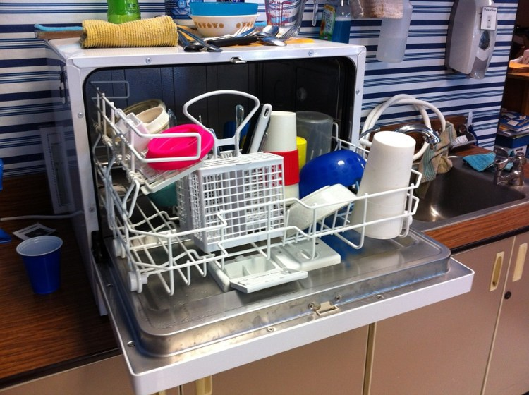 imperfectly filtered, cleaning, guest post, kim studdard, dishwasher, kids, help, dishes