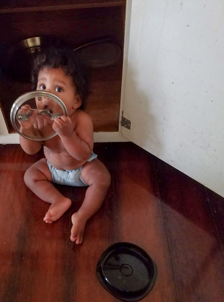 7 months, baby, growing, growing up, playing, kitchen, pots, family