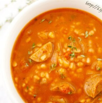 Pumpkin Barley Soup: a delicious vegetarian budget-friendly soup that's perfect for the cooler months! http://lifecurrentsblog.com