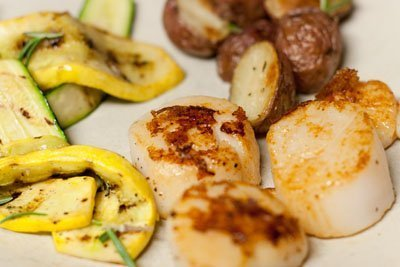Vanilla Dusted Sea Scallops with Rosemary Roasted Red Potatoes and Grilled Zucchini Ribbons