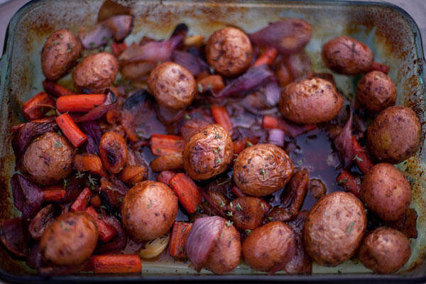 potatoes, carrots, red onions, garlic baked in Apricot Sauce with balsamic vinegar, dried apricots, thyme, and olive oil.