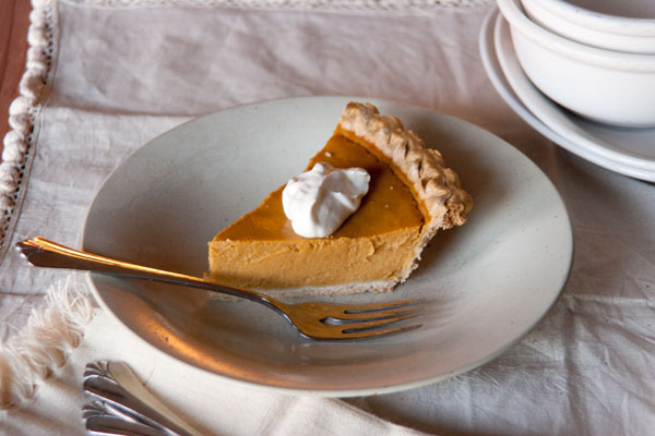 This is the Best Pumpkin Pie ever! Seriously! Life Currents https://lifecurrentsblog.com