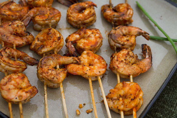 Spicy Grilled Buf-a-que Shrimp in a Buffalo-style mop sauce #grilled #spicy #shrimp Life Currents https://lifecurrentsblog.com