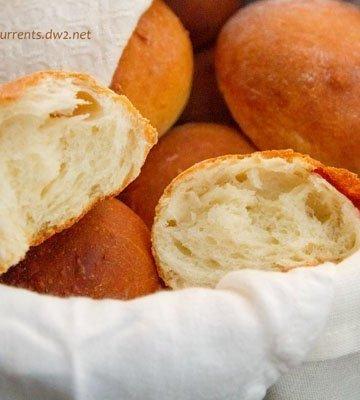 Homemade Fresh Buttermilk Dinner Rolls