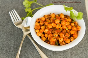 Nacho Roasted Chickpeas | Life Currents https://lifecurrentsblog.com