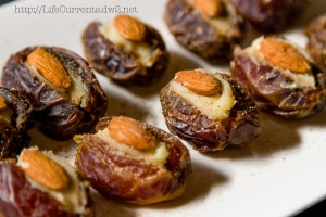 Stuffed Dates | Life Currents https://lifecurrentsblog.com