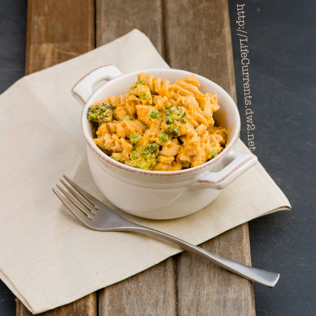 """Behind The Scenes look at Life Currents Blog with Some Backgrounds with Butternut Squash """"Mac"""" & Cheese 