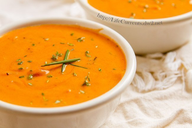 Tomato Parmesan Slow Cooker Soup | Life Currents vegetarian crock pot