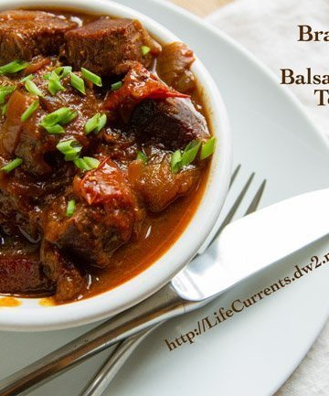 Braised Beef with Balsamic Roasted Tomatoes | Life Currents https://lifecurrentsblog.com
