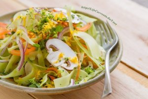 Shaved Broccoli Salad from Life Currents detox cleanse vegan vegetarian healthy gluten-free fresh https://lifecurrentsblog.com