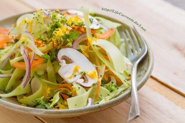 Shaved Broccoli Salad from Life Currents detox cleanse vegan vegetarian healthy gluten-free fresh https://lifecurrentsblog.com