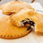 Blackberry Hand Pies with Nutella are super fun for back to school lunches! by Life Currents