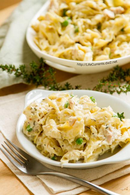 Easy Tuna Noodle Casserole by Life Currents https://lifecurrentsblog.com comfort food at its finest