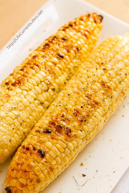 Simple Veggie Side Dishes that are perfect for the holidays - The Best way to make Grilled Corn on the Cob - it makes sweet, toasty, not mushy corn that everyone will love! Perfect for Summer BBQs!