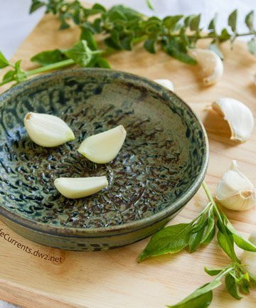 Gifts for Garlic Lovers - a gift guide plus recipes