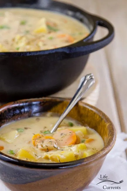 Mom's Vegetarian Pot Pie Soup - comfort food that reminds me of being a kid.