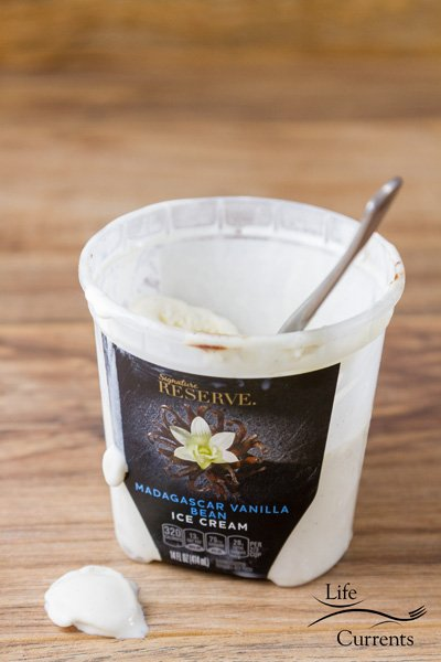 Signature Reserve™ Super Premium Madagascar Vanilla Bean Ice Cream