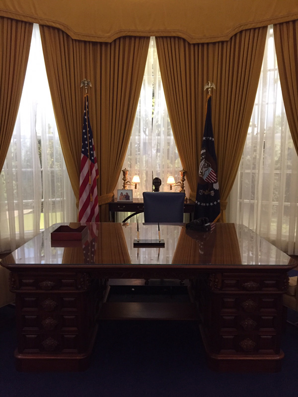 Visit the Richard Nixon Library and Museum - the Oval Office