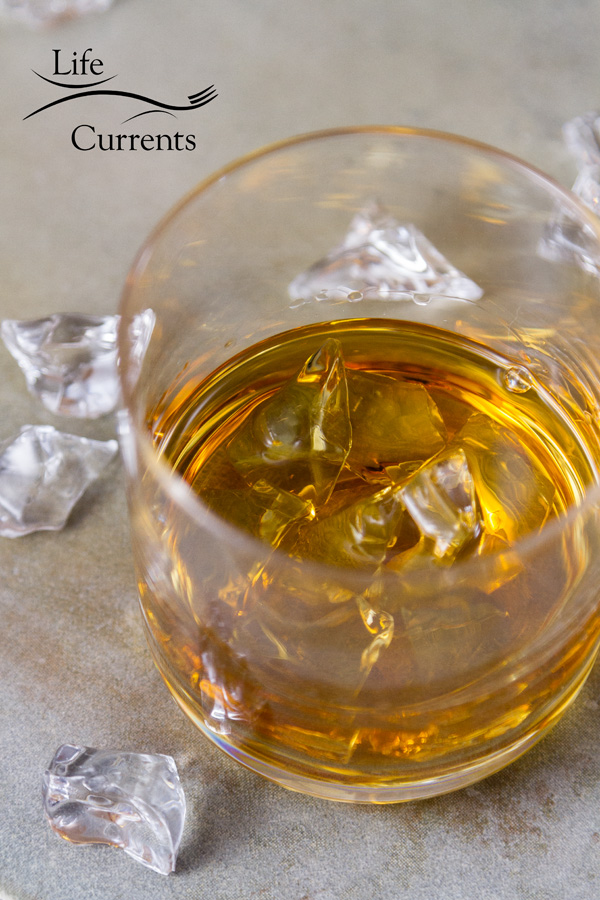 An extensive tutorial on How to host a whiskey tasting party