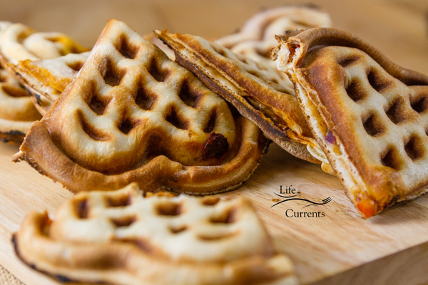 tutorial on Waffle Iron Stuffed Pizza or calzones