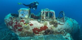 Wreck Diving in the Western Pacific Micronesia