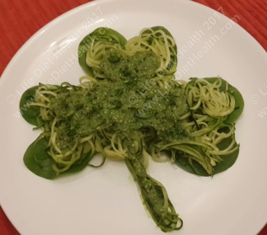 Raw courgetti with pesto