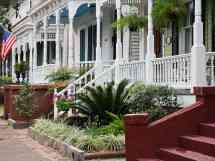 Weekend Getaway Places Visit In Savannah Georgia