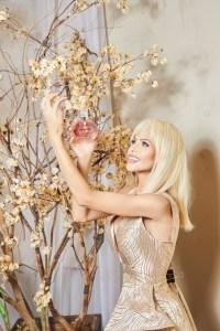 Natali Matos lança perfume inspirado em seu signo