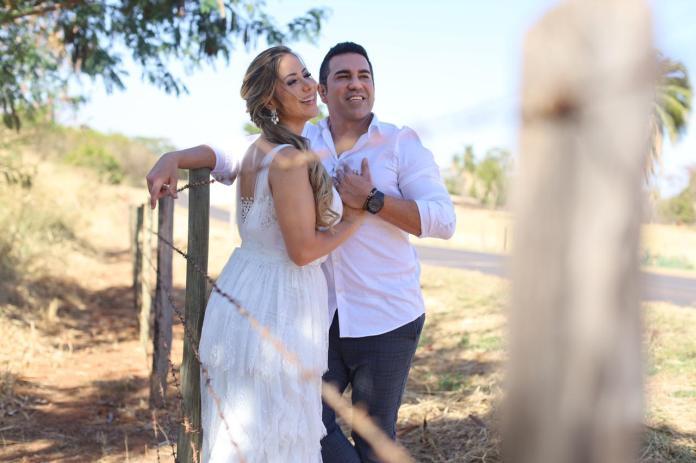 Luana Monalisa, famosa cantora dos trios elétricos de Salvador, casa-se com conceituado médico em SP