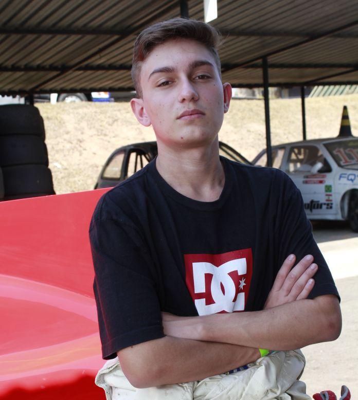 Piloto Kauan Morais é a nova revelação da Formula Vee