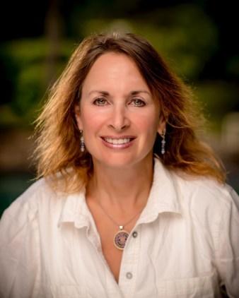 Lisa Gniady head shot