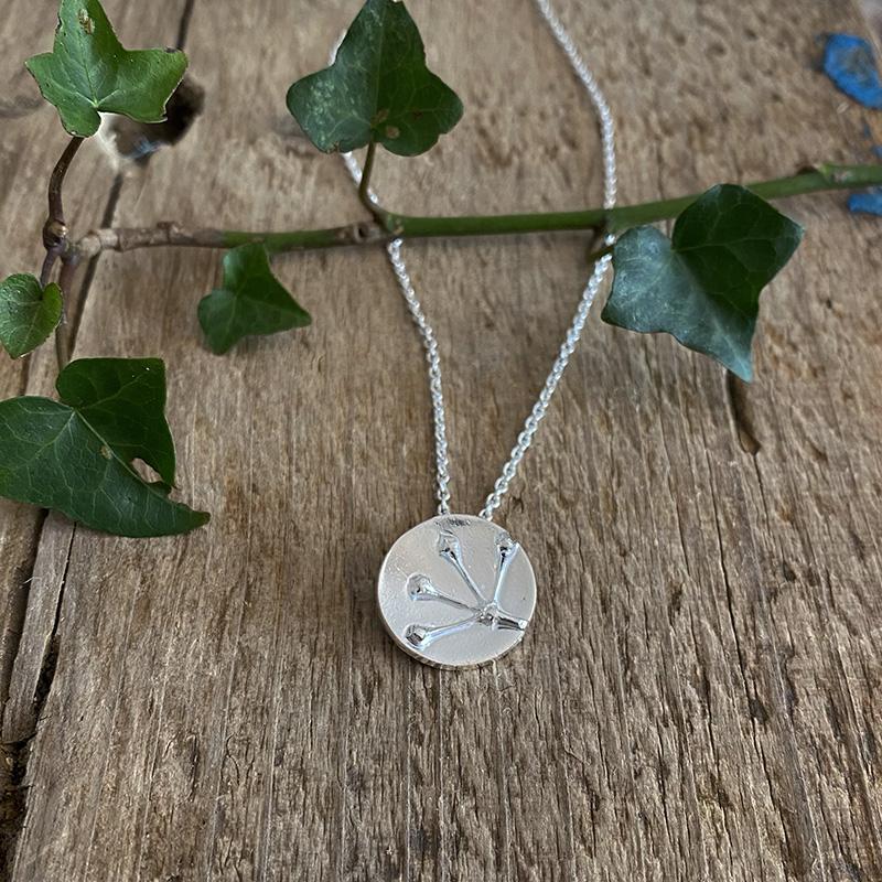 Ivy Berries pendant