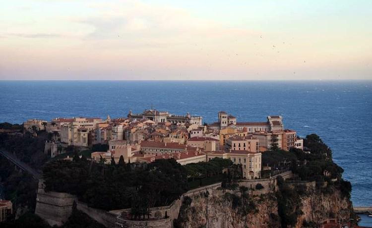 Монако, дворец Монако, династия Гримальди, вид с высоты птичьего полета