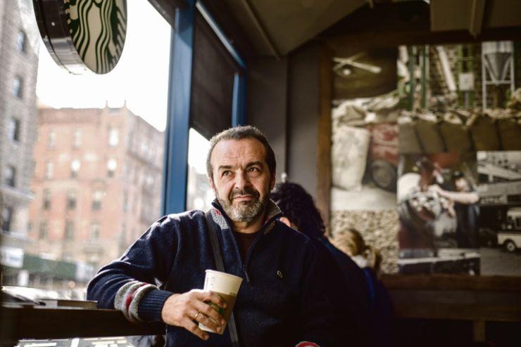 Писатель предпочитает кофе
