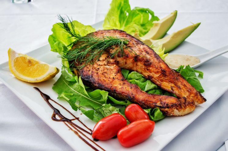 Быстро похудеть поможет рыба и овощи