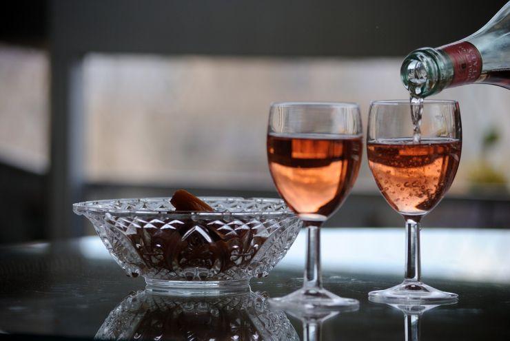 Как пить вино