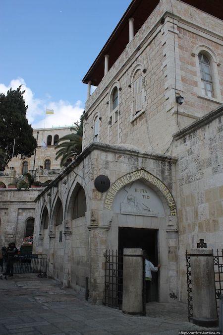 иерусалим, Виа Долороза, первое падение Христа, вход в храм