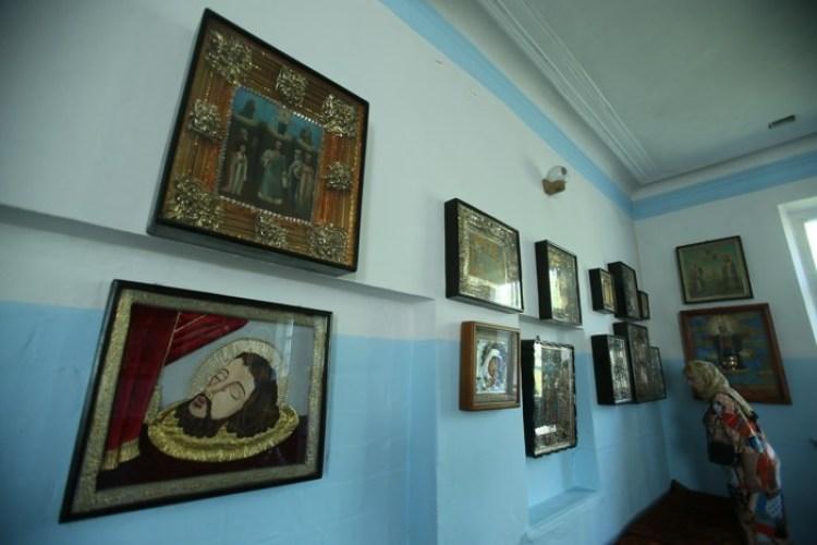 Полтавский монастырь, спецпроект Тайны монастырей, Храм в честь Симеона Богоприимца, семейные иконы