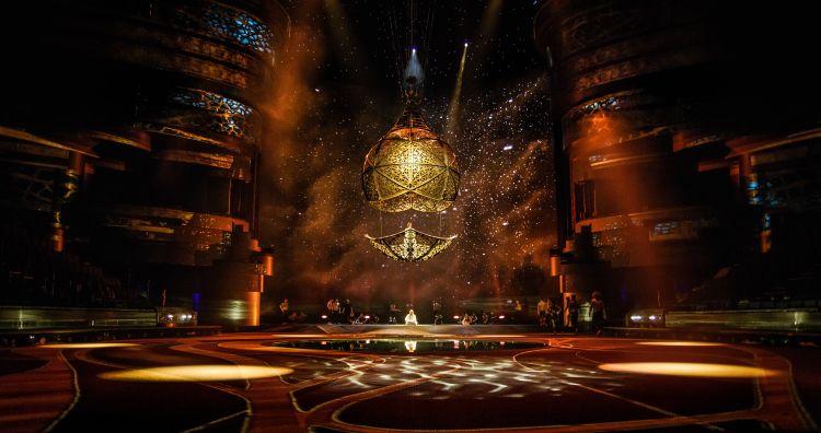 Дубай, туризм, шоу La Perle, жемчужина