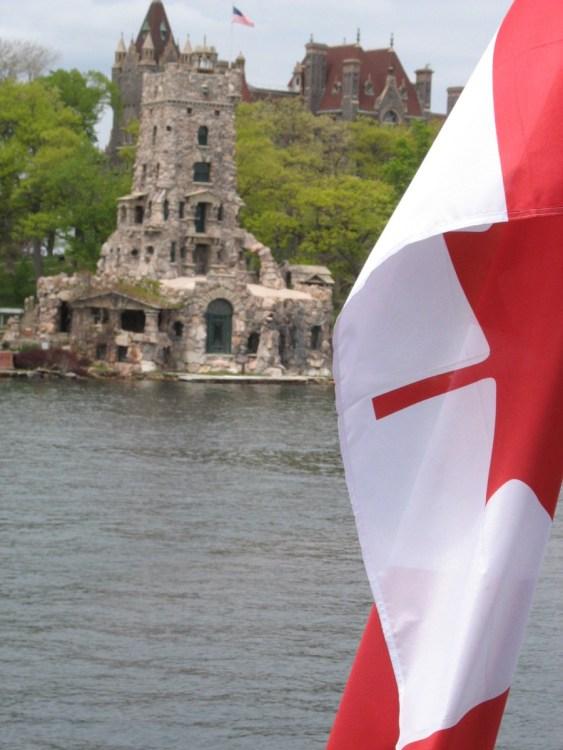 Как украинцам живется в Канаде, Канада, остров, флаг Канады