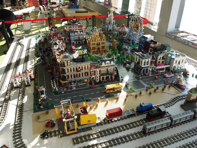 поклонники конструктора Лего