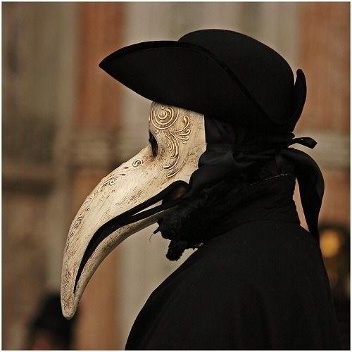 чумной доктор, маска, ворон