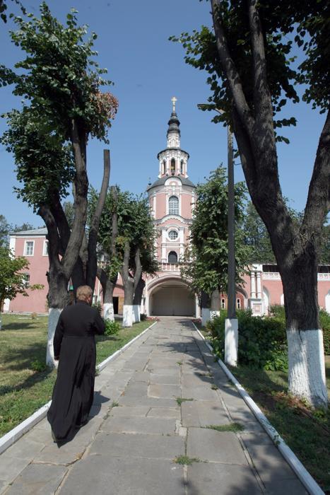 донской монастырь, Патриарх Тихон, раскол церкви, обновленческое движение
