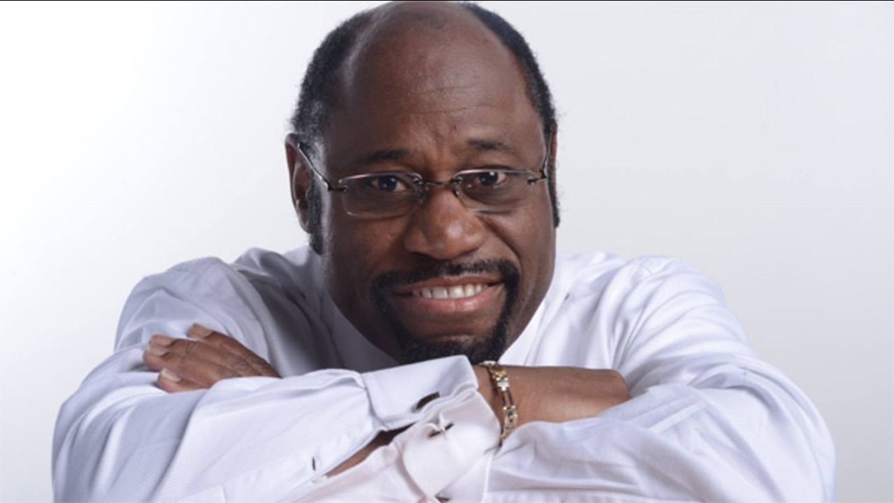 A Tribute To Myles Munroe