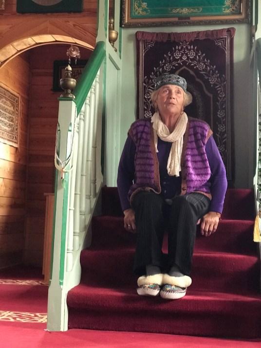 Pani Eugenia - przewodniczka i opiekunka meczetu w Bohonikach