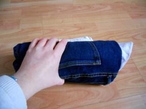 2: Roll tightly