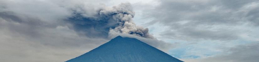 Jo didenybė ugnikalnis Agungas – vienos nakties istorija