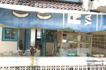 How to save money? Small warung