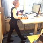 Att gå under skrivbordet
