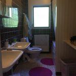 Badrumsrenovering – snart är vårt 46 år gamla badrum ett minne blått